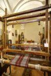 Alla riscoperta di antiche tradizioni: divertirsi lavorando al telaio